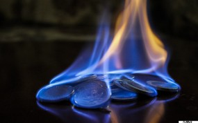 blue-money-burning-2